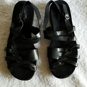 Easy Street black sandles
